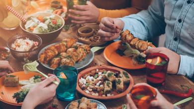 Photo of بعض الأطعمة التي يجب تجنبها للحفاظ على جسمك رشيقاً