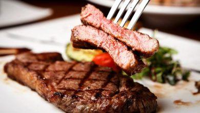 Photo of لهذا السبب لا تقطعي ستيك اللحم مباشرة بعد طهيه